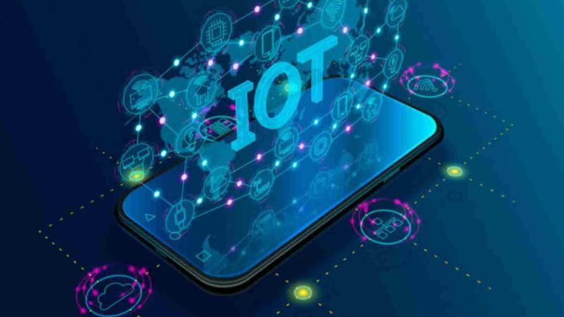 What is IoT (Internet of Things)