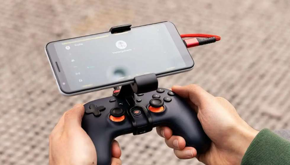 Cloud gaming services from Microsoft & Google won't work on iOS