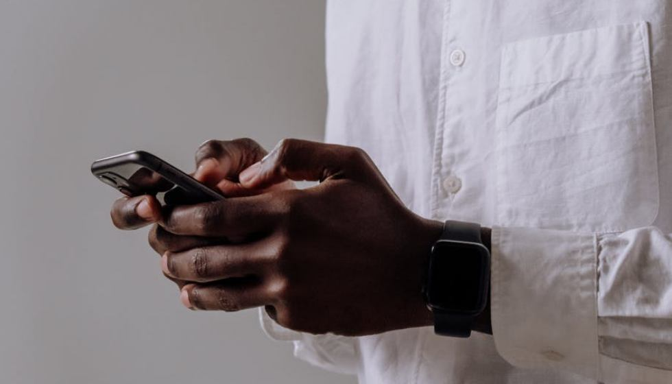 How Can I Spy on a Mobile Phone Without Installing Software