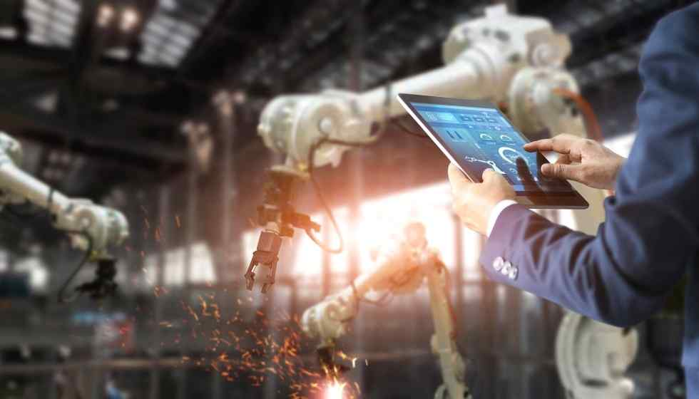 How Technology is Transforming Manufacturing and How it is Beneficial